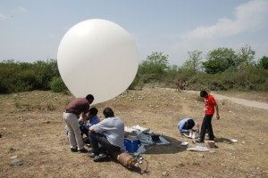 Dr Ugur Guven with his international students at Weather Balloon test Flight